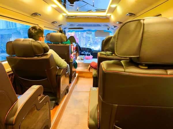 ハロン湾クルーズ バス車内2