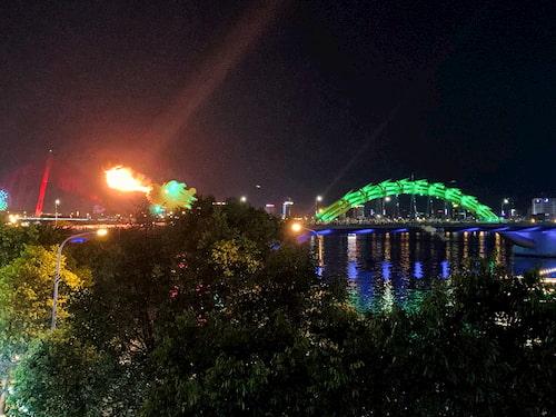 ドラゴン橋 ファイヤーショー