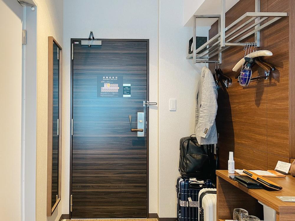 ホテルミヤヒラ客室入口